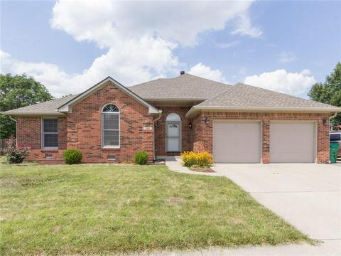 880 Sycamore Dr, Brownsburg, IN 46112