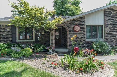 1729 Sycamore Dr, Plainfield, IN (20 Photos) MLS# 21517432 - Movoto