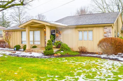 6 May St Huntington In 34 Photos Mls 201903349 Movoto