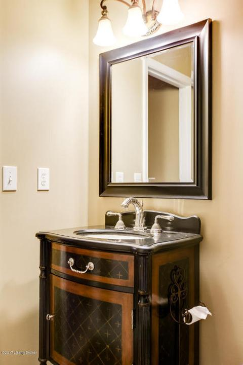 Bathroom Mirrors Louisville Ky 6518 bridleview cir, louisville, ky for sale mls# 1485047 - movoto