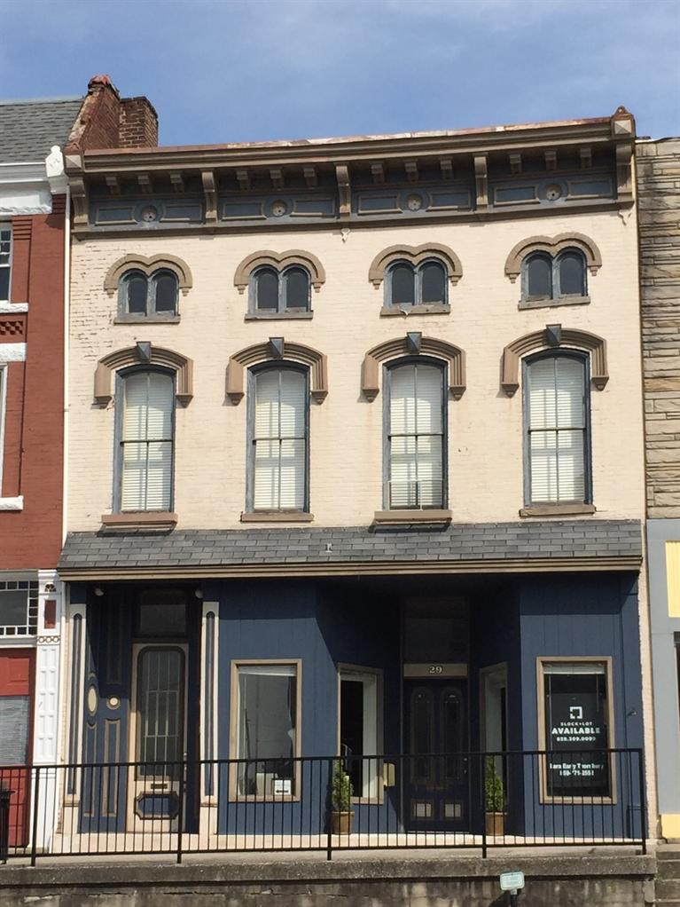 27 S Main St, Winchester, KY