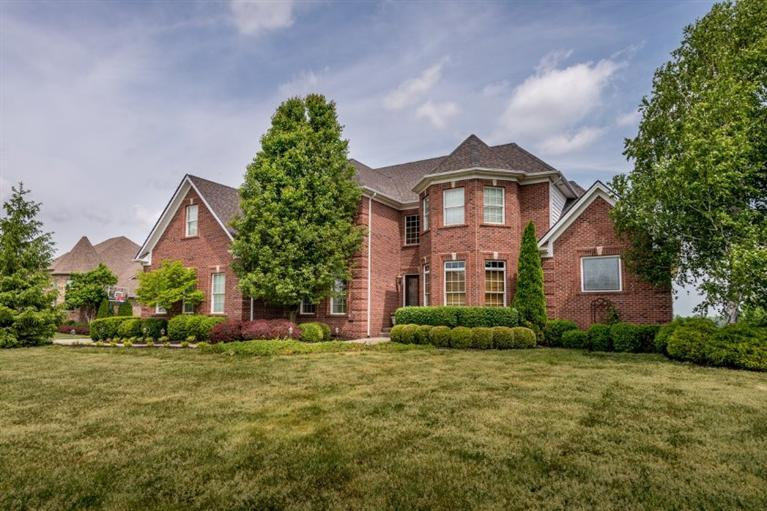 202 Golf Club Dr, Nicholasville, KY
