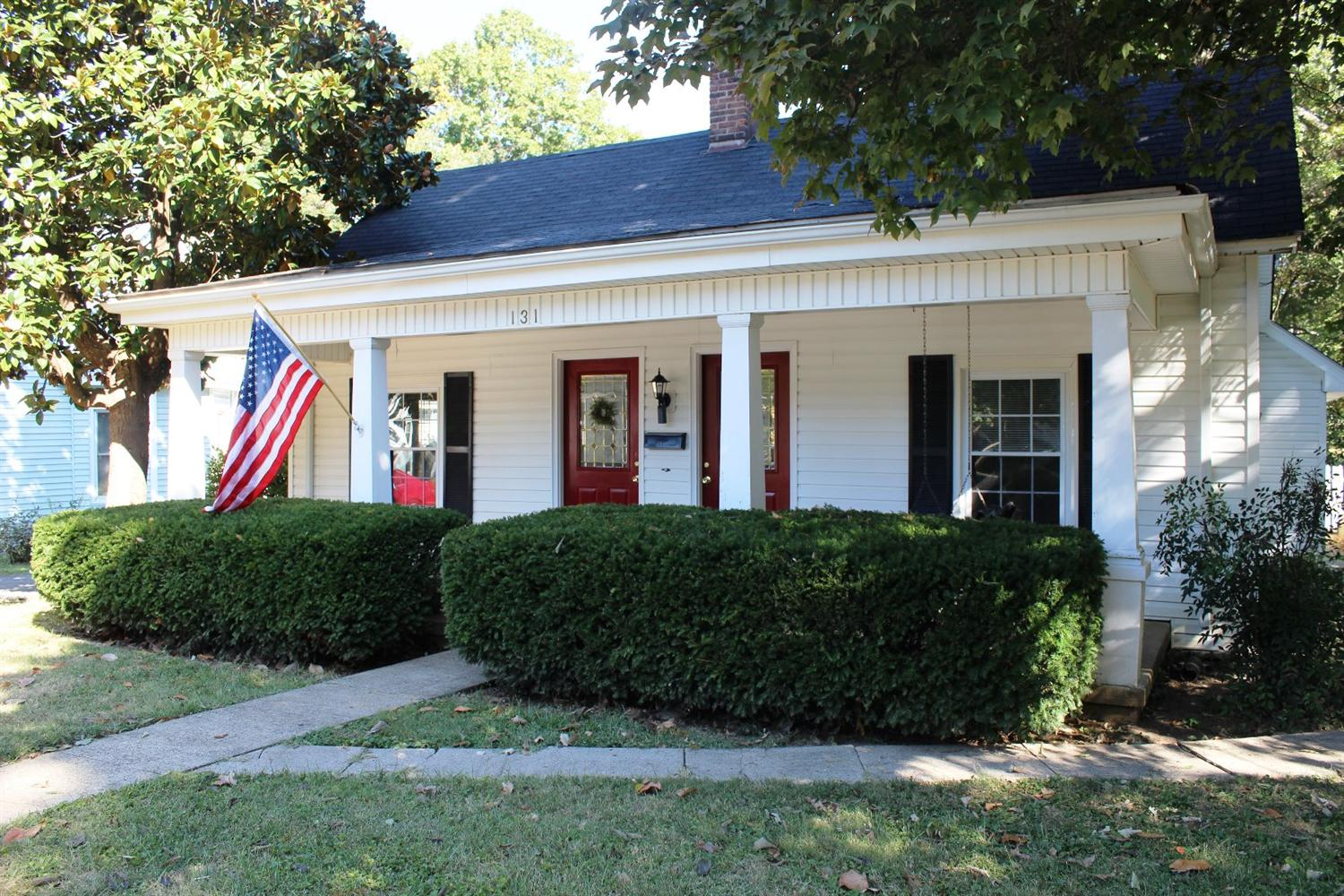 131 Montgomery Ave, Versailles, KY