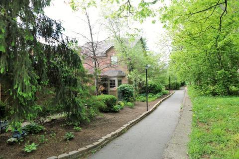 2217 Terrace Woods Ct, Lexington, KY (31 Photos) MLS# 1810355   Movoto