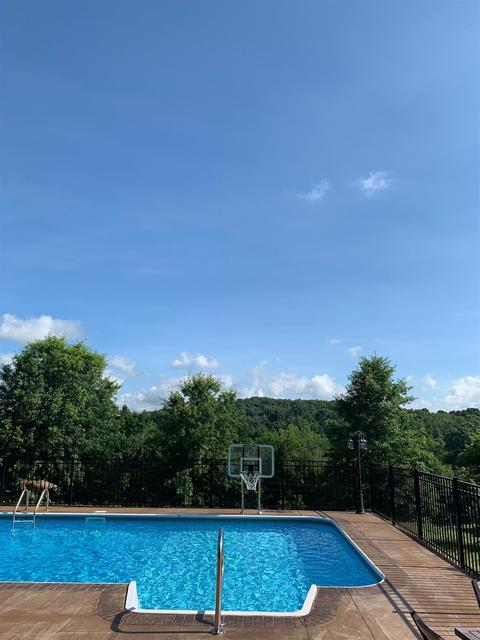 321 Woods Edge Dr, Somerset, KY 42503