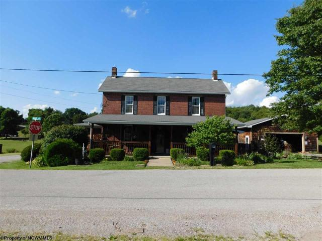 7 Sackett Drive DrSmithfield, PA 15478