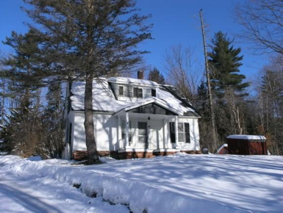12 Plummer Hill Dr, Lincoln, NH 03251