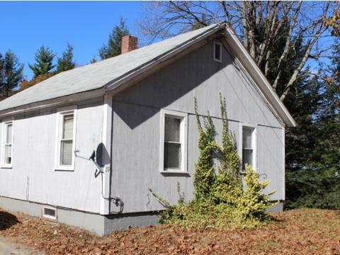39 Meetinghouse Rd, Hinsdale, NH 03451
