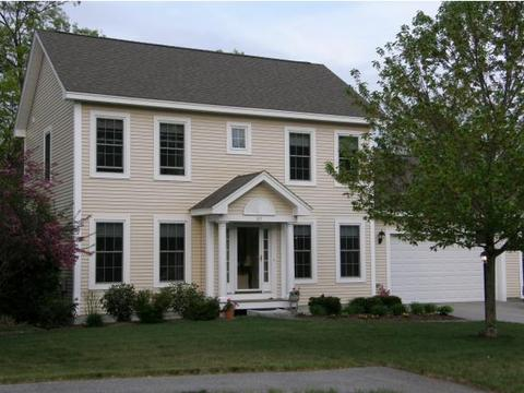 67 Blueberry Dr, Manchester, NH 03102