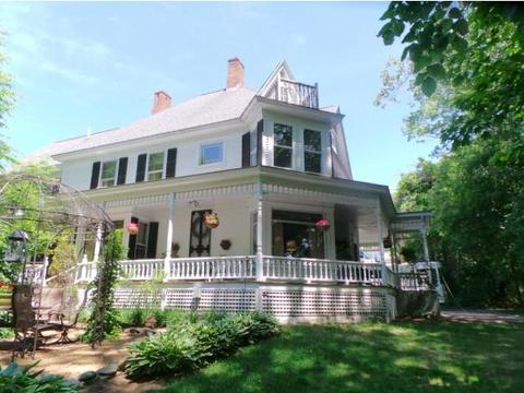 205 Victory Dr, Franklin, NH 03235