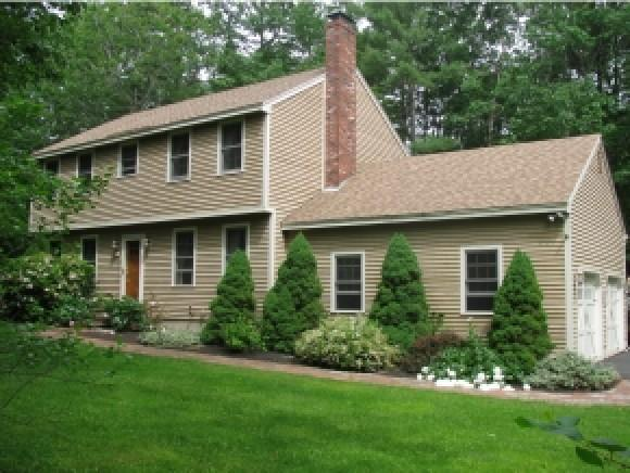 28 James Farm Rd, Lee, NH 03861