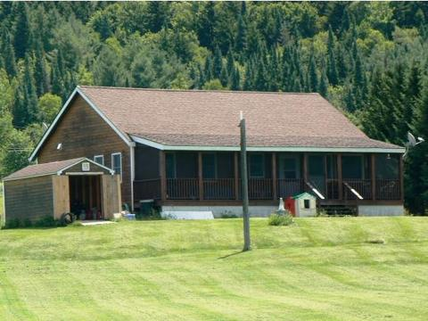 2079 Hall Stream Rd, Pittsburg, NH 03592