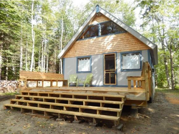 61 Halfmoon Pond Rd, Grafton, NH 03240