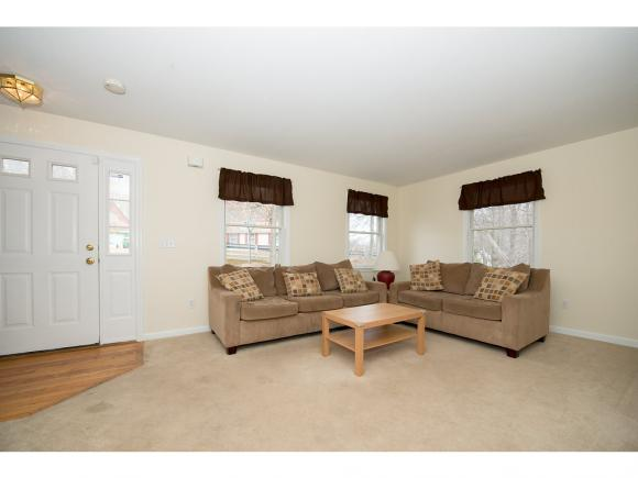 38 Ledgeview Drive, Rochester, NH 03839