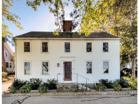 12 Steamboat Ln, New Castle, NH 03854