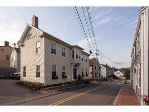 226 Marcy St, Portsmouth, NH 03801