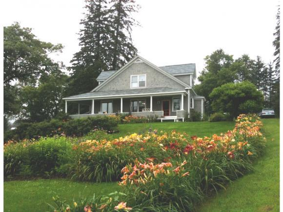 110 Elm St, Whitefield, NH 03598