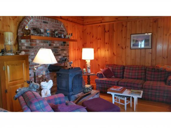 225 Gold Coast Dr, Wakefield, NH 03830