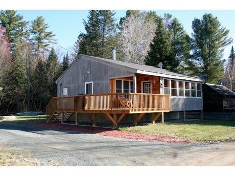 32 Chapel Hill Rd, Wentworths Location, NH 03579