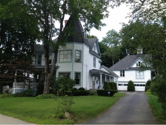 13 Winnipesaukee St, Franklin, NH 03235
