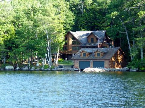 19 Sawyer Point Rd, Mirror Lake, NH 03853