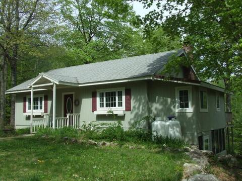 1422 Washington Hill Rd, Tamworth, NH 03817