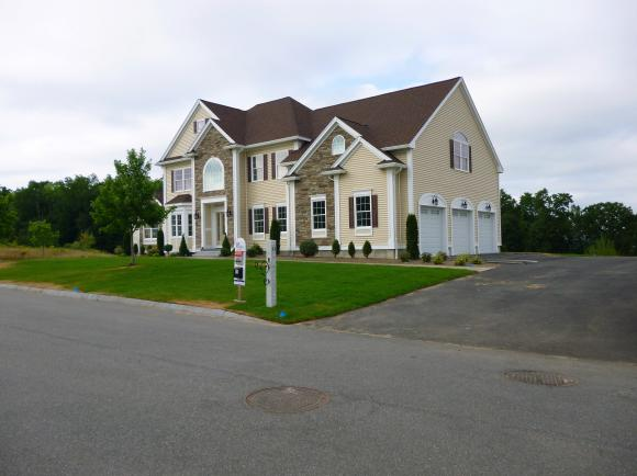 41 Stanwood Road, Salem, NH 03079
