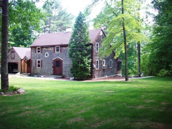 121 Fairview Dr, Pittsfield, NH