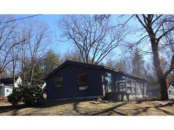 6 Penacook Cir, Webster, NH 03303