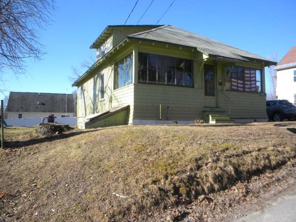 7 Albert St, Claremont, NH 03743