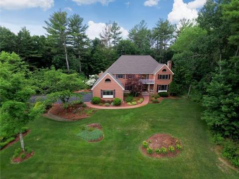 10 Camelot Rd, Windham, NH 03087