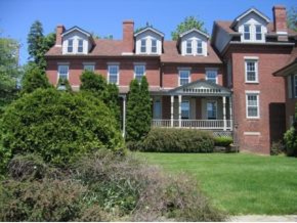 713 Central Ave #3, Dover, NH 03820