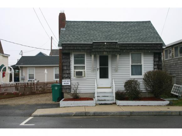 31 Highland Ave, Hampton, NH 03842
