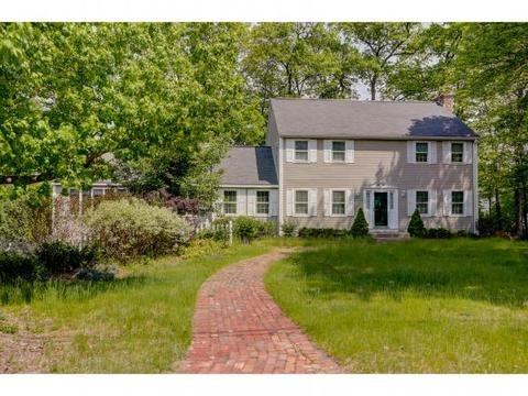 380 Paquette Ave, Manchester, NH 03104
