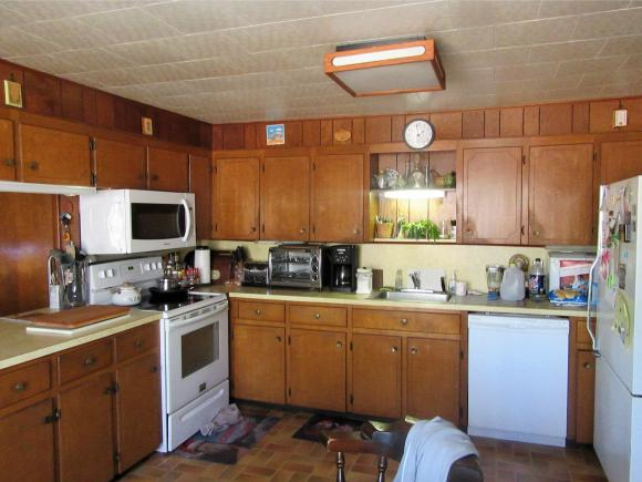 15 Norway Plains Road, Rochester, NH 03868