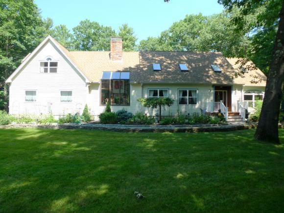 9 Pine Ct, Newfields, NH 03856