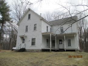 8 Caldwell Rd, Hudson, NH 03051