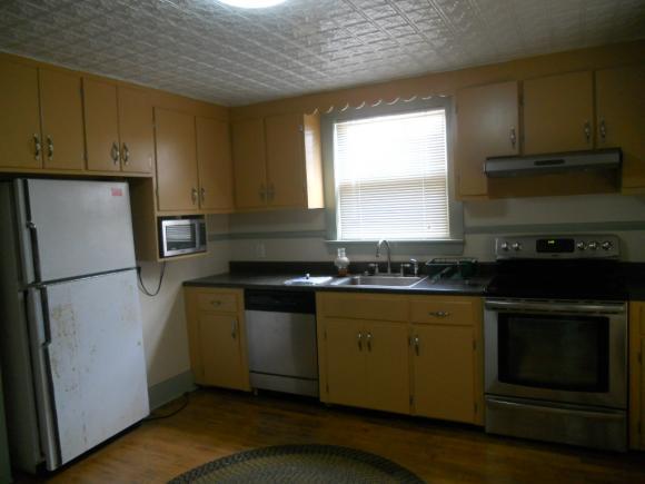 10 Jackson Street, Hillsborough, NH 03244