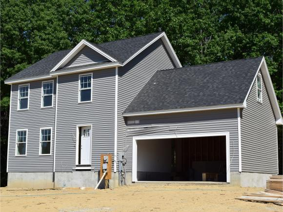 31 Millers Farm Dr, Rochester, NH 03868