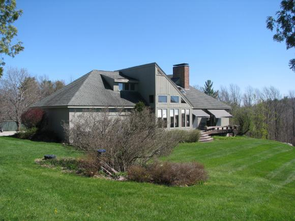 29 Stiles Farm Rd, Wilton, NH 03086