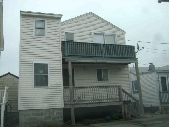 16 Perkins Ave #B, Hampton, NH 03842