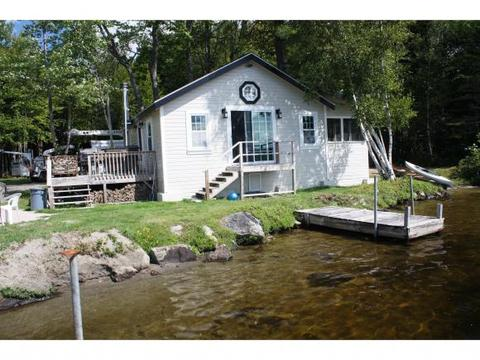 39 Memory Ln, Whitefield, NH 03598