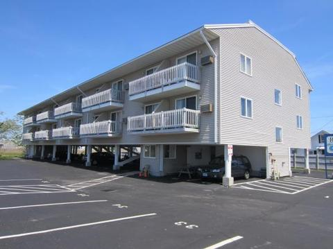 550 Winnacunnet Rd #313, Hampton, NH 03842