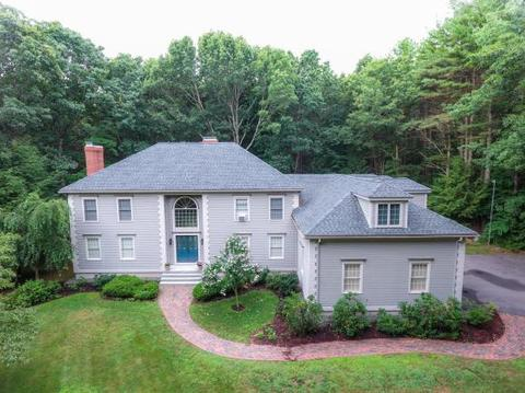 19 Ship Rock Rd, North Hampton, NH 03862