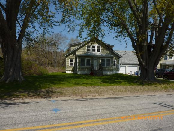 243 S Main St, Seabrook, NH 03874
