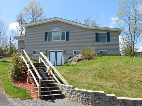 31 View St, Whitefield, NH 03598