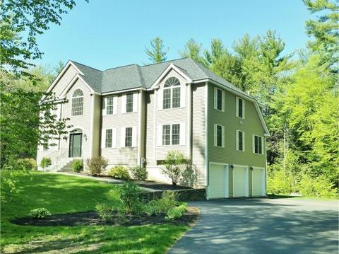 6 Moore Ln, Exeter, NH 03833