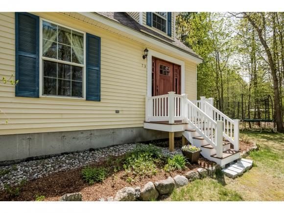 73 Colony Ln, New Hampton, NH 03256