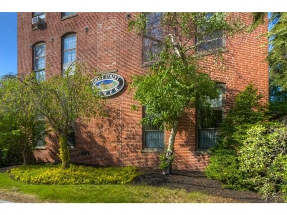 156 Front St #404, Exeter, NH 03833