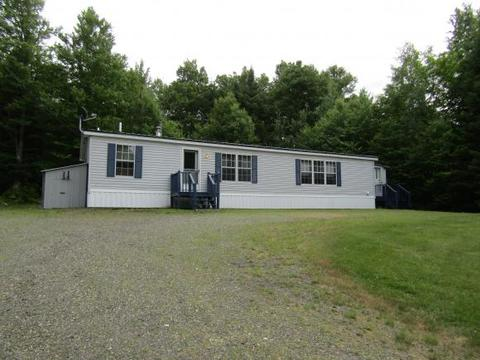 402 Back Lake Rd, Pittsburg, NH 03592